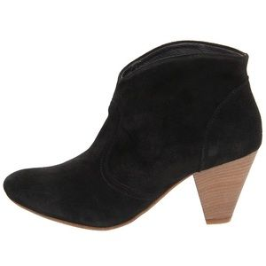 Size 8 Steven by Steve Madden black suede booties